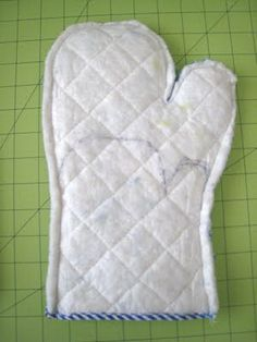DIY...Turning dollar store oven mitts into child's play oven mitts