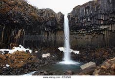 waterfall-svartifoss-at-the-skaftafell-national-park-framed-by-black-ebx504.jpg (640×447)
