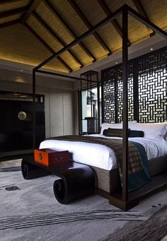 Black, White, Red are very contemporary and great color tones to create a very positive & meditative aura to the room. Suite decor at Lijiang Pullman Resort & Spa Hotel, Lijiang, China. Asian Bedroom, Home Bedroom, Master Bedroom, Bedroom Decor, Bedrooms, Bedroom Ideas, Asian Interior Design, Chinese Interior, Interior Ideas