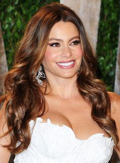 19 Gorgeous Celebrities Over Age Sofia Vergara New Hair Color Trends, New Hair Colors, Beautiful Celebrities, Beautiful Actresses, Ecaille Hair Color, Celebrity Hairstyles, Cool Hairstyles, Party Hairstyles, Pixie Hairstyles