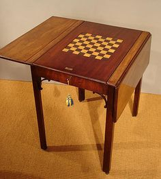 Antique Games Table / Georgian Chess And Backgammon Table