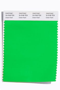 Pantone's-Spring-2016-Colors-in-Fashion-and-Interiors-29.jpg (1200×1800)