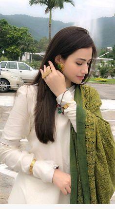 New Image : Pakistani fashion casual Simple Pakistani Dresses, Indian Gowns Dresses, Indian Fashion Dresses, Pakistani Dress Design, Indian Designer Outfits, Frock Fashion, Pakistani Bridal, Fasion, Fashion Outfits