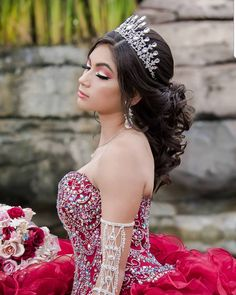 Check out 78 half up half down quinceanera hairstyles. You can create many different looks; try adding braids, bumps, or big/small crowns to this hairstyle! # Braids half up half down sweets Half Up Half Down Quinceanera Hairstyles Sweet 16 Hairstyles, Quince Hairstyles, Crown Hairstyles, Wedding Hairstyles Half Up Half Down, Half Up Half Down Hair, Mexican Quinceanera Dresses, Quinceanera Ideas, Flower Crown Hairstyle, Curls For Long Hair