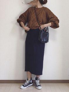 限定価格で買ったGUニット☺️ タイトスカートでシンプルに Normcore, Women's Fashion, How To Wear, Ideas, Style, Swag, Fashion Women, Womens Fashion