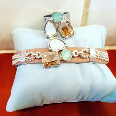Yuchi jewels and bags  #ibiza#ibizastyle#chic#handmade#fashion#colorfull#instagood#2016 #swarovski # handmade # uniek #leren armbanden #handmade # uniek #leren armbanden #zoetwaterparels#yuchi.nl#new#forsale #soononline #uniek #handmade #oneofakind #leren armbanden # sleutelhangers #custommade phonecovers/ telefoonhoesjes #handbags leather #leer#tassenhangers#longhorn#veren#https://www.facebook.com/Top-Shops-For-You-1185965598085091/#https://www.facebook.com/yuchijewelsandbags/