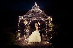 Brautpaar, Hochzeit, Hochzeit in Zürich, Waldmannsburg, Hochzeitsfotograf Photography Tips, Wedding Photography, Dream Wedding, Lights, Wedding Dresses, Weddings, Ideas, Fashion, Wedding Lighting