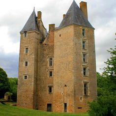 Château de Verdelles, 72 Poillé-sur-Vègre, le chateau accueille des chambres d'hôtes et des réceptions.