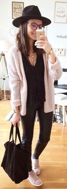 #winter #outfits Du Noir Et Du Rose... #ootd #outfitoftheday #outfit Gilet #modeinelo Blouse #easyclothes Similicuir #zara Baskets #camaieu Chapeau #hm Sac (new) #mango Ressortir Les Baskets Roses ♡