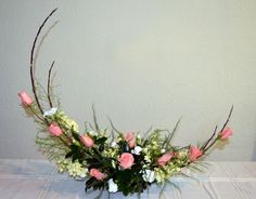 Disciplined combined wedding flower arrangements Yes! I want a free upgrade. Easter Flower Arrangements, Flower Arrangement Designs, Ikebana Flower Arrangement, Ikebana Arrangements, Beautiful Flower Arrangements, Flower Designs, Floral Arrangements, Beautiful Flowers, Arte Floral