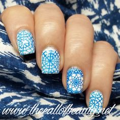 The Call of Beauty: Nail Art of the Day: Azulejos Manicure for Day16 Geometric Print #31DC2016