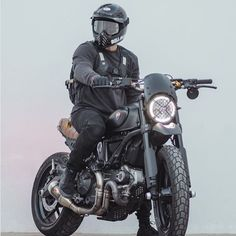Take a look at a few of my preferred builds - custom made scrambler ideas like this Scrambler Custom, Ducati Scrambler, Moto Bike, Cafe Racer Motorcycle, Motorcycle Design, Bobber, Motorcycle Outfit, Biker Photoshoot, Cafe Racer Style