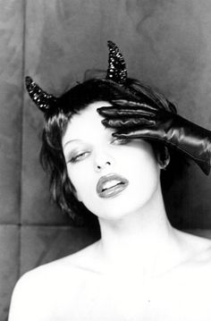 The Witch of Sweets, devious temptress Milla Jovovich Photoshoot by Ellen von Unwerth for The Face Magazine Ellen Von Unwerth, Milla Jovovich, Illuminati, Vanity Fair, The Face Magazine, Richard Avedon, Peter Lindbergh, Monochrom, Famous Faces