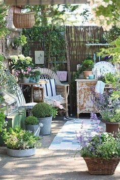 ..Shabby and Chic ourdoors #LandscapingandOutdoorSpaces