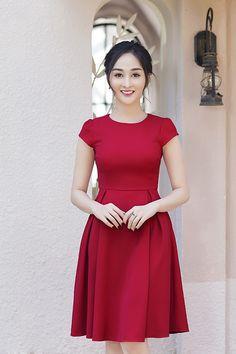 Đầm xòe tay con xếp ly màu đỏ
