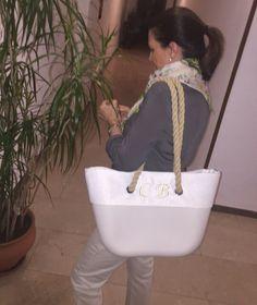 Sibubag tu bolso de caucho www.sibuetnia.com Longchamp, Tote Bag, Bags, Fashion, Natural Rubber, Handbags, Moda, Fashion Styles, Carry Bag