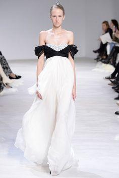 Giambattista Valli Spring 2016 Couture collection.