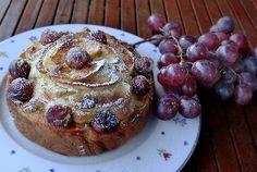 Torta light di mele e uva