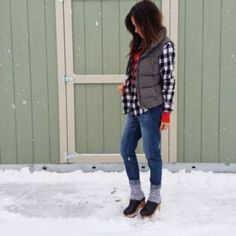How to Wear Clogs During the Winter Season
