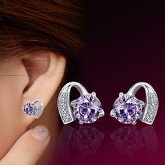 Pair of Elegant Sparkling Rhinestoned Stud Earrings
