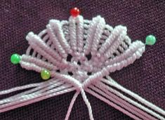 Free Macrame patterns,macrame tutorial, macrame knots,macrame how to, macrame easy Christmas Angel Ornaments, Christmas Crafts, Xmas, Free Macrame Patterns, Angel Crafts, Macrame Design, Macrame Tutorial, Diy Hair Accessories, Macrame Jewelry