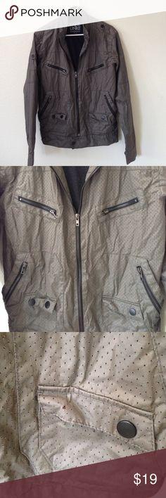 Kane & Unke Men's Jacket size LG Missing 1 button on the left side pocket. See pic #3 Kane & Unke Jackets & Coats