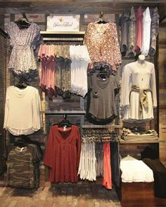 That moment when you know exactly what you want for Back to School shopping. Clothing Boutique Interior, Boutique Decor, Boutique Design, A Boutique, Clothing Store Displays, Clothing Store Design, Womens Clothing Stores, Fashion Store Design, Store Layout