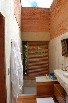 Alberto Kalach House- bathroom