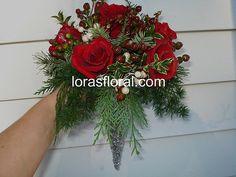 red christmas flower arrangement
