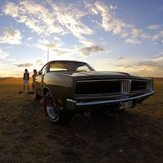 Y pleno atardecer - 69 Dodge Charger