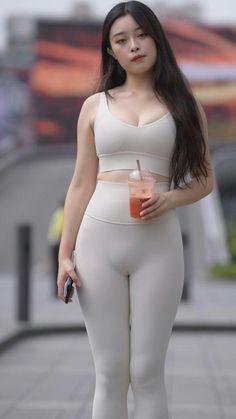 Skin Tight Leggings, Girls In Leggings, Bollywood Hairstyles, Curvy Girl Outfits, Cute Asian Girls, Beautiful Asian Women, Leggings Fashion, Women Swimsuits, Asian Woman