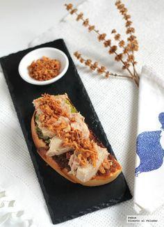 Delicioso aperitivo que combina el sabor del pesto genovés, el pesto siciliano y el atún al natural. Receta sencilla con fotos paso a paso de su elaboración