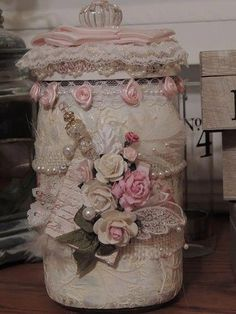 of the Best Shabby Chic Home Decoration Ideas Keep Calm and DIY!: 75 of the Best Shabby Chic Home Decoration IdeasKeep Calm and DIY!: 75 of the Best Shabby Chic Home Decoration Ideas Shabby Chic Jars, Shabby Chic Design, Cocina Shabby Chic, Shabby Chic Mode, Estilo Shabby Chic, Shabby Chic Farmhouse, Shabby Chic Crafts, Shabby Chic Living Room, Shabby Chic Kitchen