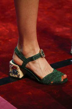 Detail / Dolce & Gabbana / Mailand / Frühjahr 2018 / Kollektionen / Fashion Shows / Vogue