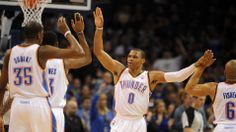 Westbrook, Durant lead Thunder past 76ers 125-92 | FOX Sports on MSN