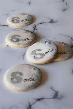 Galletas de limón decoradas con glasa
