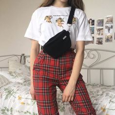 Outfits ideas & inspiration : Watching over me angels tee and Julie Trousers Retro Outfits, Vintage Outfits, Hipster Outfits, Mode Outfits, Grunge Outfits, Girl Outfits, Casual Outfits, Vintage Fashion, Hipster Girls