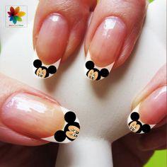 Día de San Valentín uñas de Disney cartoon por Nailsgraphicworld