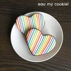 Rainbow heart cookies Heart Cookies, Iced Cookies, Royal Icing Cookies, Cupcake Cookies, Cupcakes, Rainbow Sugar Cookies, Rainbow Cookie, Valentines Day Cookies, Holiday Cookies