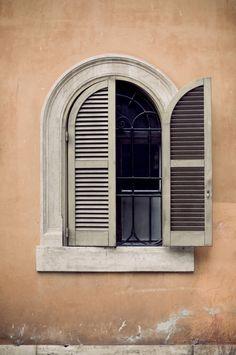 http://socialmediabar999.xanga.com/772851513/an-innovation-with-window-tinting/