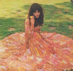 Tina Aumont 1968 French Girl Style, French Girls, Pop Fashion, Vintage Fashion, Beatnik Style, Nastassja Kinski, Hippie Love, Vintage Gowns, Aesthetic Vintage