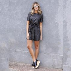 All about style 👯💥💥 Derby Outfits, Sporty Outfits, Fashion Outfits, Elyse Stella Mccartney, Pretty Outfits, Cool Outfits, Oxford Shoes Outfit, Mein Style, Travel Clothes Women