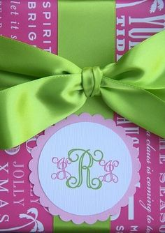 Pink and Green Personalized Monogram tags Wrapping Ideas, Gift Wrapping, Monogram Fonts, Monogram Initials, Creative Gifts, Great Gifts, Small Gifts, Do It Yourself Wedding, Kanzashi