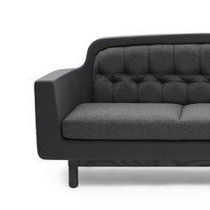 """Le jeune designer Simon Legald a dessiné le canapé """"Onkel"""" pour l'éditeur danois Normann Copenhagen."""