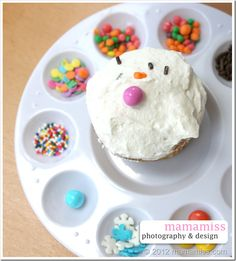 """Arty party idea...  Paint Palette as Cupcake Decorating Station {mama♥miss} ©2012 