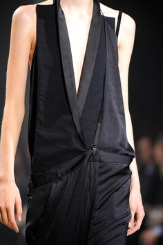 Haider Ackermann - Spring 2011 Ready-to-Wear - Look 18 of 95