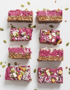 Energy Bars: Healthy, Portable Snacks You Can Make at Home Healthy Bedtime Snacks, Healthy Protein Snacks, Protein Bar Recipes, Protein Bars, High Protein, Healthy Breakfasts, Eating Healthy, Healthy Foods, Protein Muffins