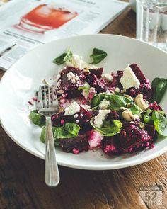 Nopea punajuurisalaatti - 52 Weeks of Deliciousness Cobb Salad, Feta, Acai Bowl, 52 Weeks, Breakfast, Recipes, Drink, Acai Berry Bowl, Morning Coffee