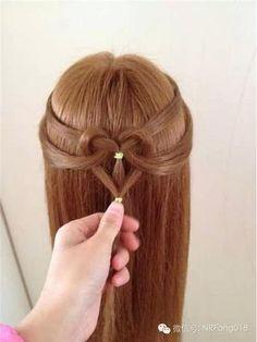 Peinado sencillo.
