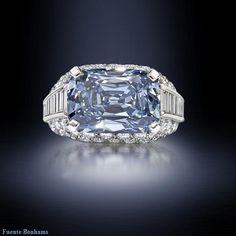 Diamante de color Azul Natural